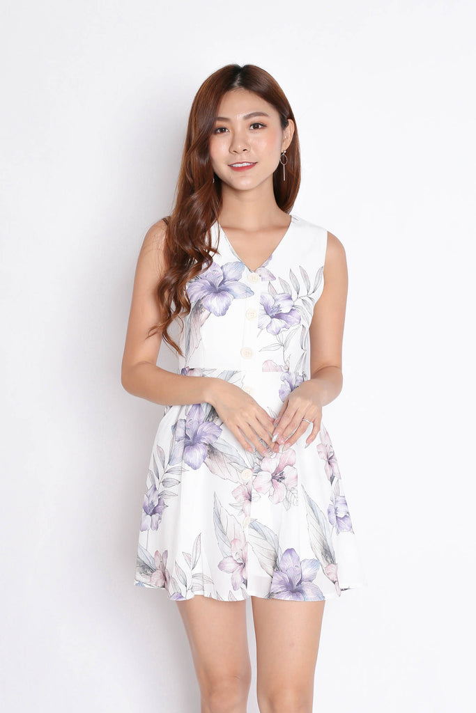 (PREMIUM) YUSRA DRESS ROMPER IN WHITE FLORALS - TOPAZETTE
