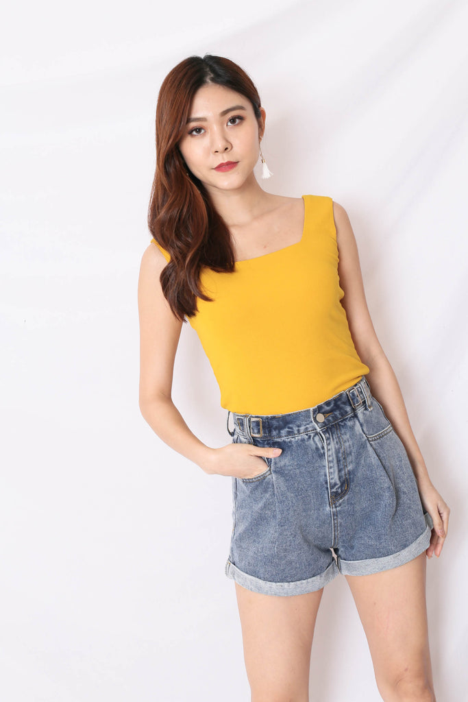 (PREMIUM) ILLY RIBBED SQUARE NECK TOP IN MARIGOLD