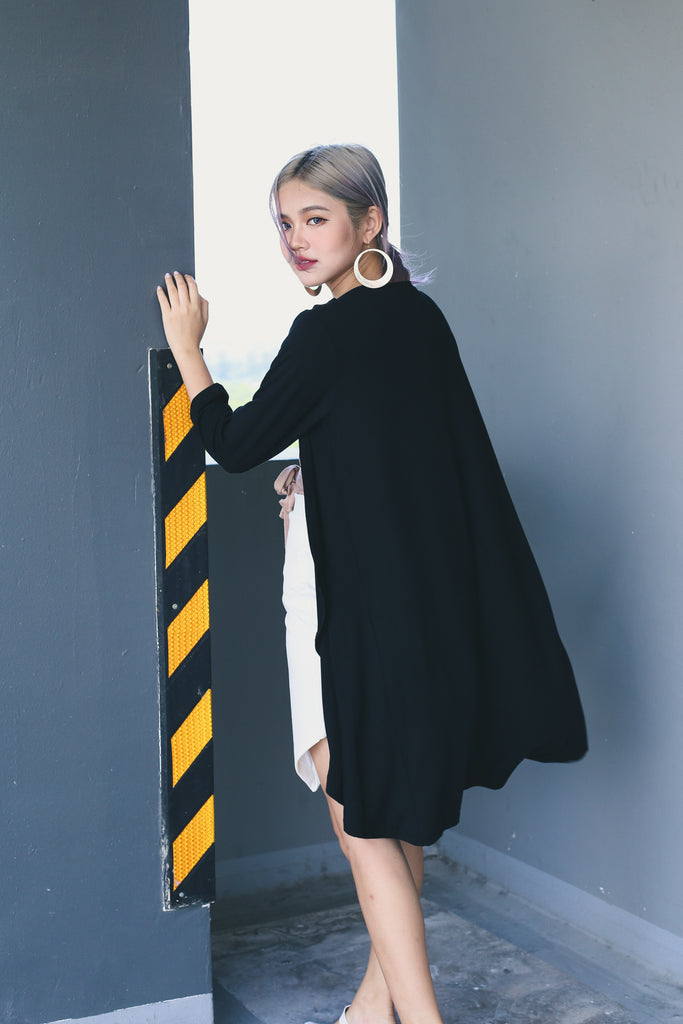 EVERYDAY COTTON LONGLINE CARDIGAN IN BLACK - TOPAZETTE