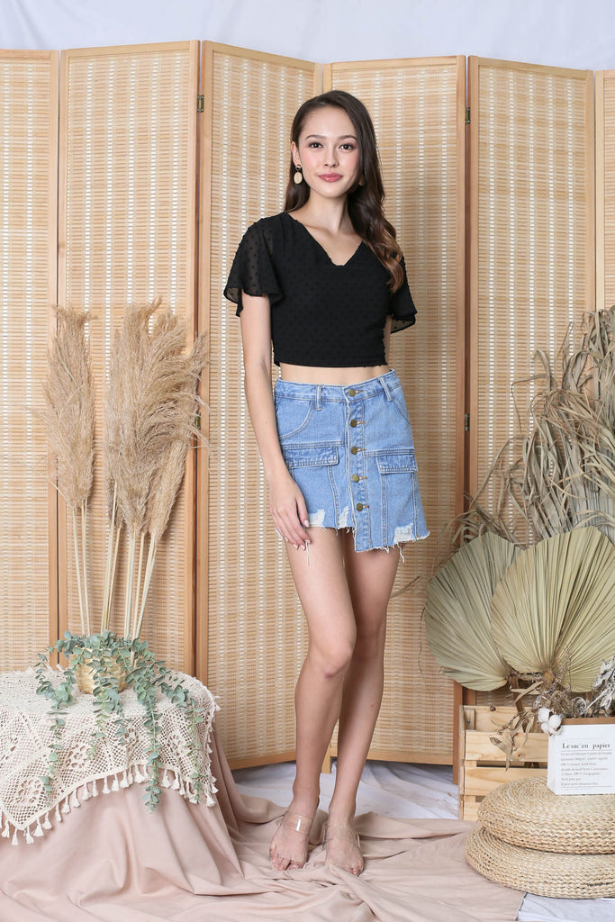 QUISHA DENIM SKORTS IN LIGHT WASH