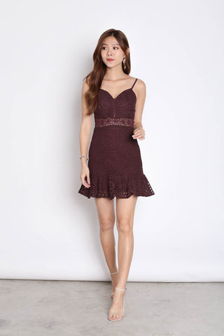 *TPZ* (PREMIUM) FERLYN EYELET DRESS IN PLUM