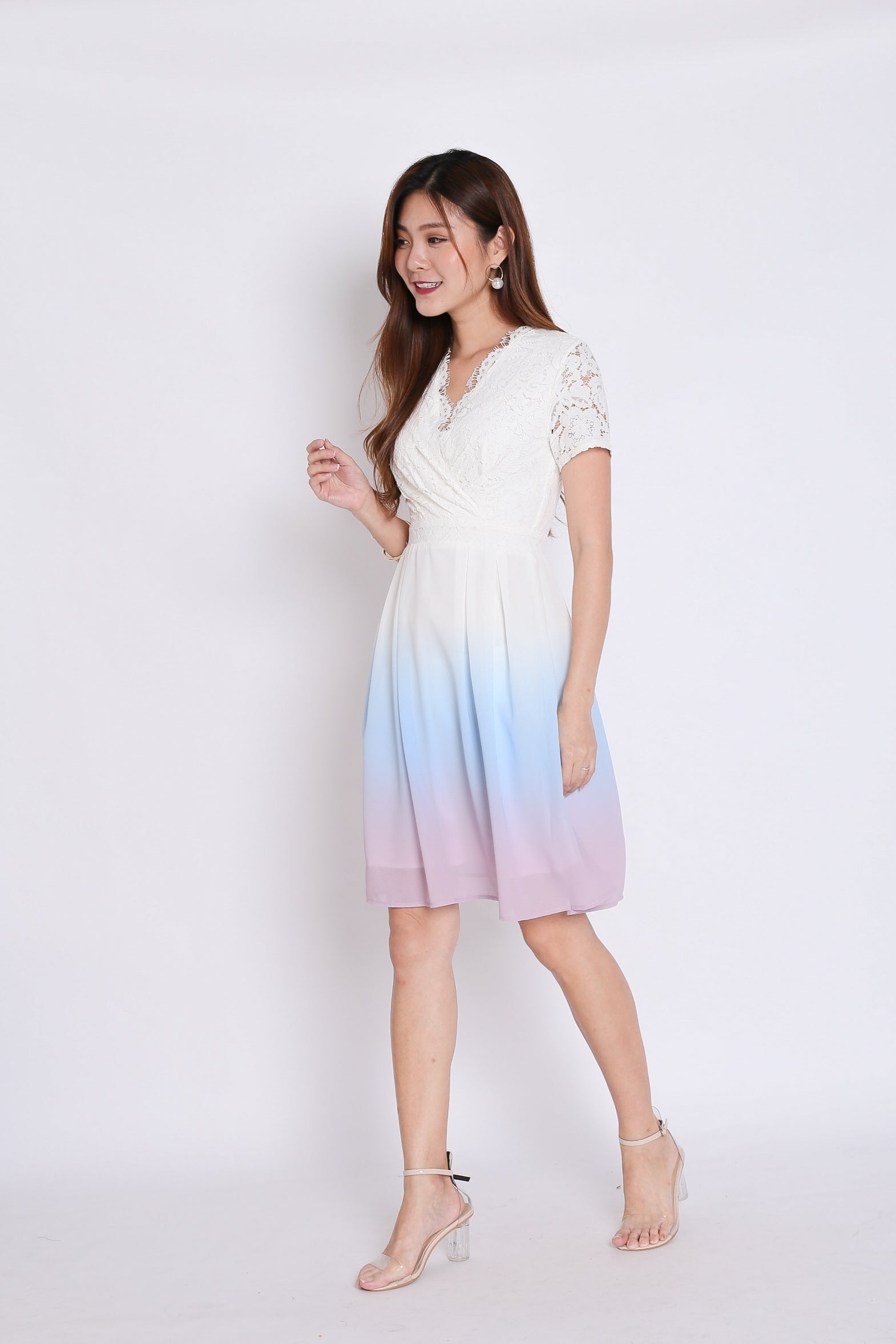 (PREMIUM) LACE OMBRE DRESS (WHITE/ PASTEL)