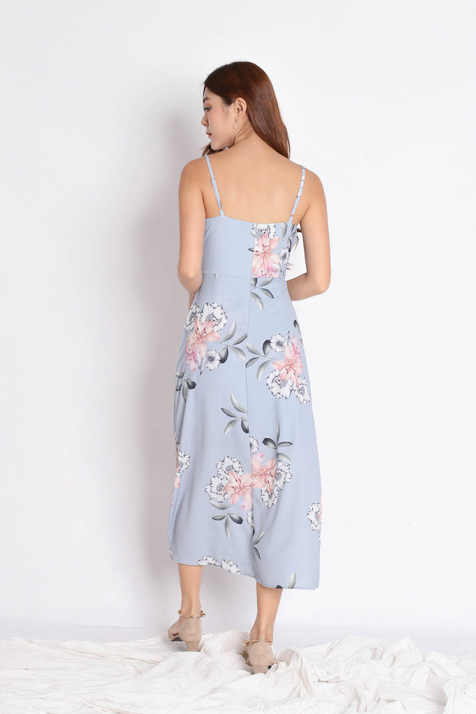 (PREMIUM) SHAYNA MAXI IN DUSTY BLUE FLORALS - TOPAZETTE