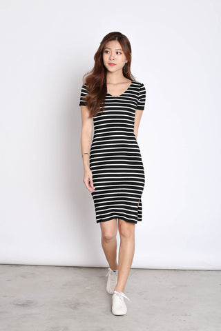 TABBY NAUTICAL KNIT DRESS IN BLACK
