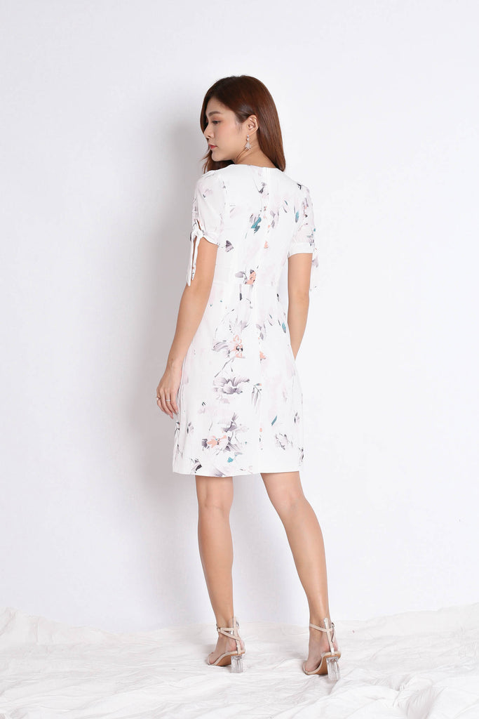 *TPZ* (PREMIUM) KACEE BUTTON DOWN RIBBON DRESS IN WHITE FLORALS