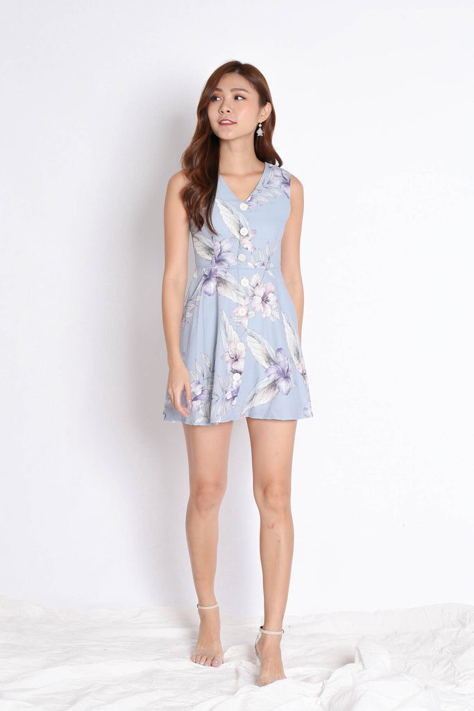 (PREMIUM) YUSRA DRESS ROMPER IN DUSTY BLUE FLORALS