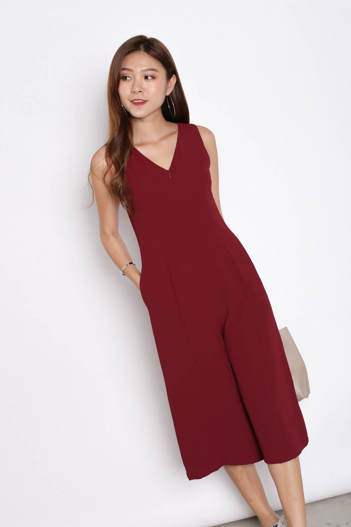 (PREMIUM) OVA JUMPSUIT IN BURGUNDY