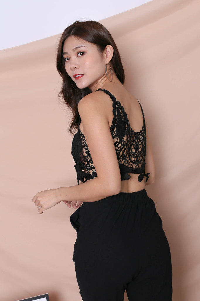 ELIN CROCHET CROP TOP IN BLACK - TOPAZETTE