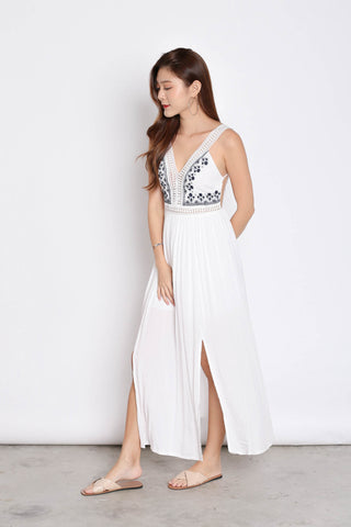 RIA EMBROIDERY MAXI IN WHITE