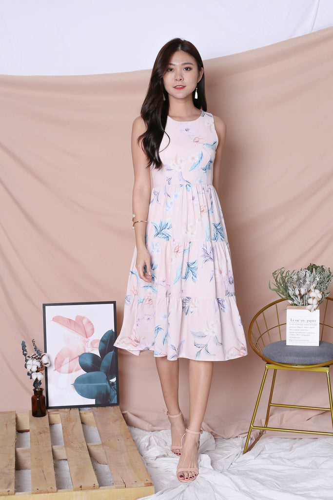 *TPZ* (PREMIUM) ARIANA TIER DRESS IN BLUSH PINK FLORALS (VERSION 2) - TOPAZETTE