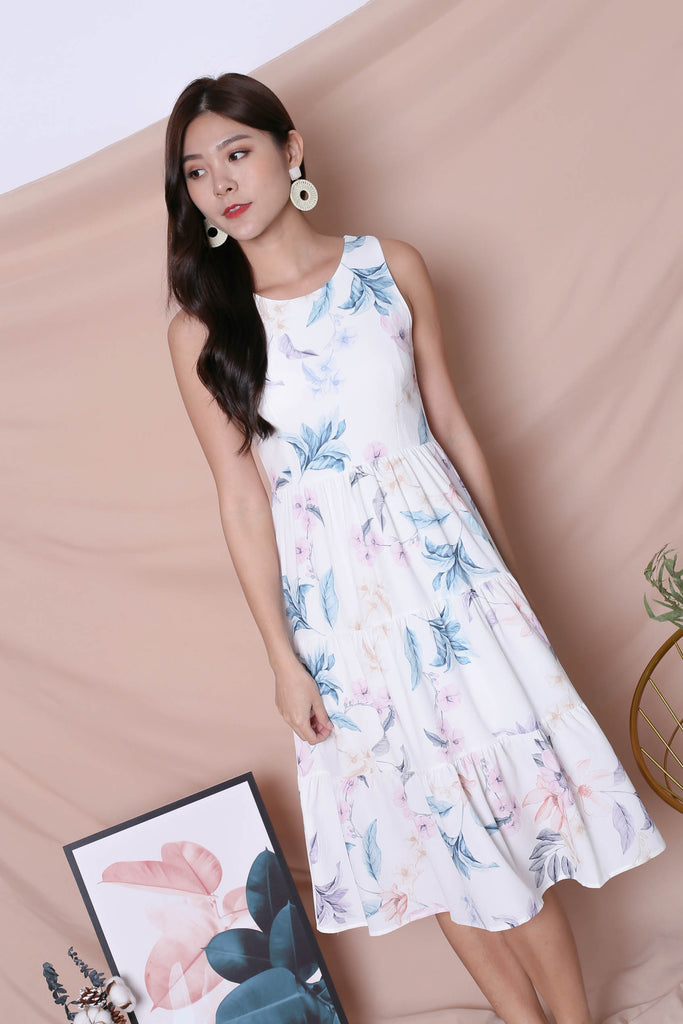*TPZ* (PREMIUM) ARIANA TIER DRESS IN WHITE FLORALS (VERSION 2)