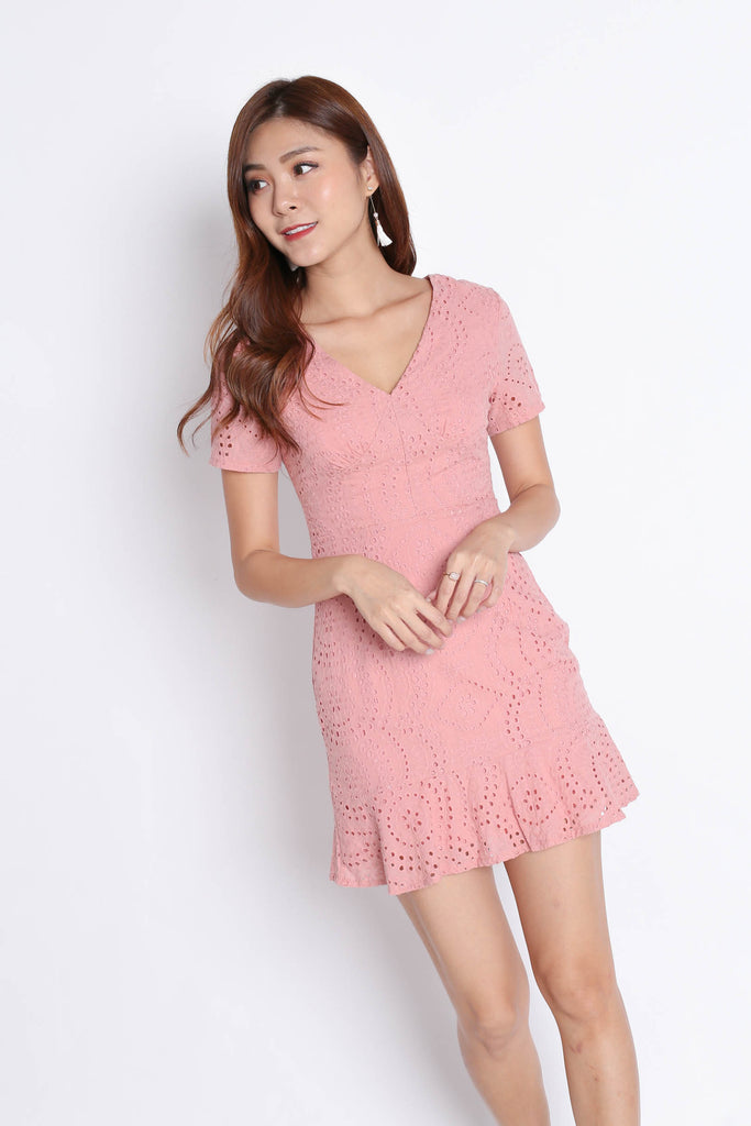 *TPZ* (PREMIUM) ALISYA EYELET DRESS IN BABY PINK - TOPAZETTE
