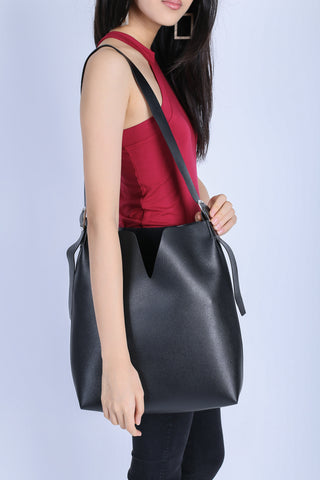 *RESTOCKED* AI TOTE BAG IN BLACK