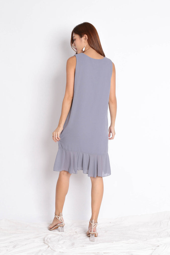 BASIC RUFFLES DROP HEM SHIFT DRESS IN LIGHT GREY - TOPAZETTE