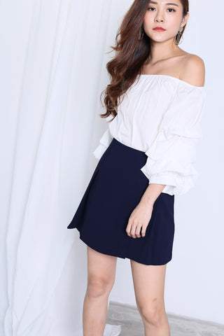 REIEE RUFFLED TOP IN WHITE