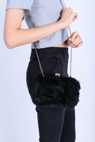 *BACKORDER* FLUFFY FAUX FUR BAG IN BLACK