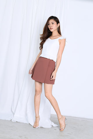 JAYEE MINIMALIST PLEATED SKORTS IN RUSETTE