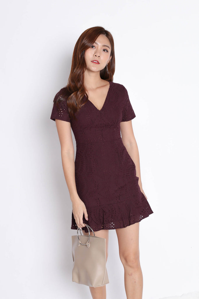 *TPZ* (PREMIUM) ALISYA EYELET DRESS IN PLUM - TOPAZETTE