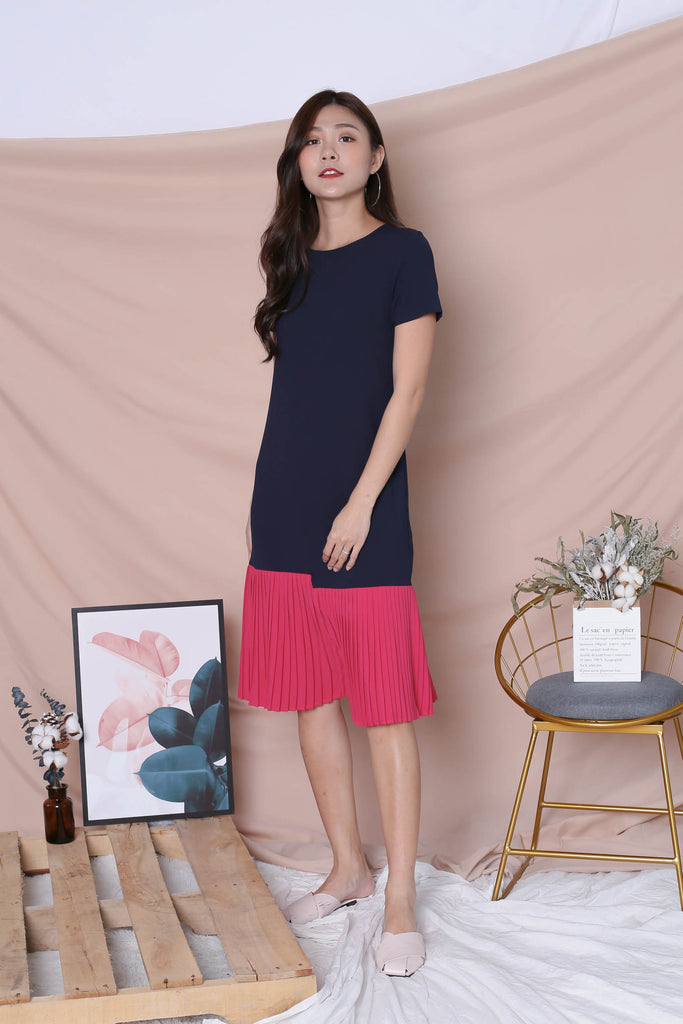 *TPZ* (PREMIUM) LEANNE COLOURBLOCK PLEATED DRESS (NAVY/ BARBIE PINK) - TOPAZETTE