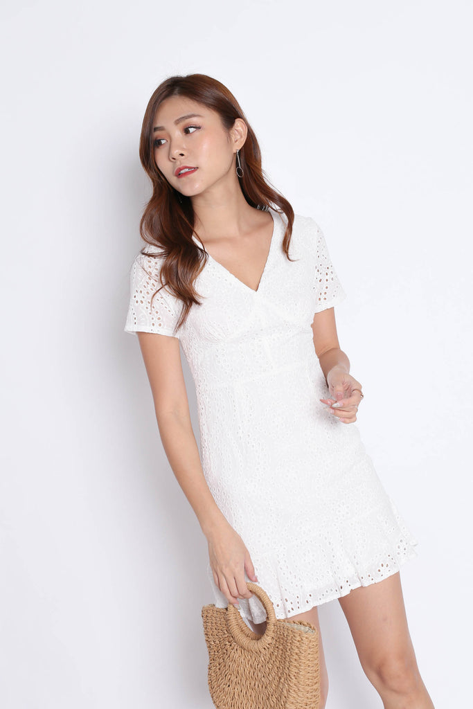 *TPZ* (PREMIUM) ALISYA EYELET DRESS IN WHITE - TOPAZETTE