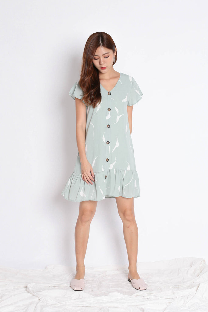 (PREMIUM) DARCIE ABSTRACT DRESS IN SAGE GREEN