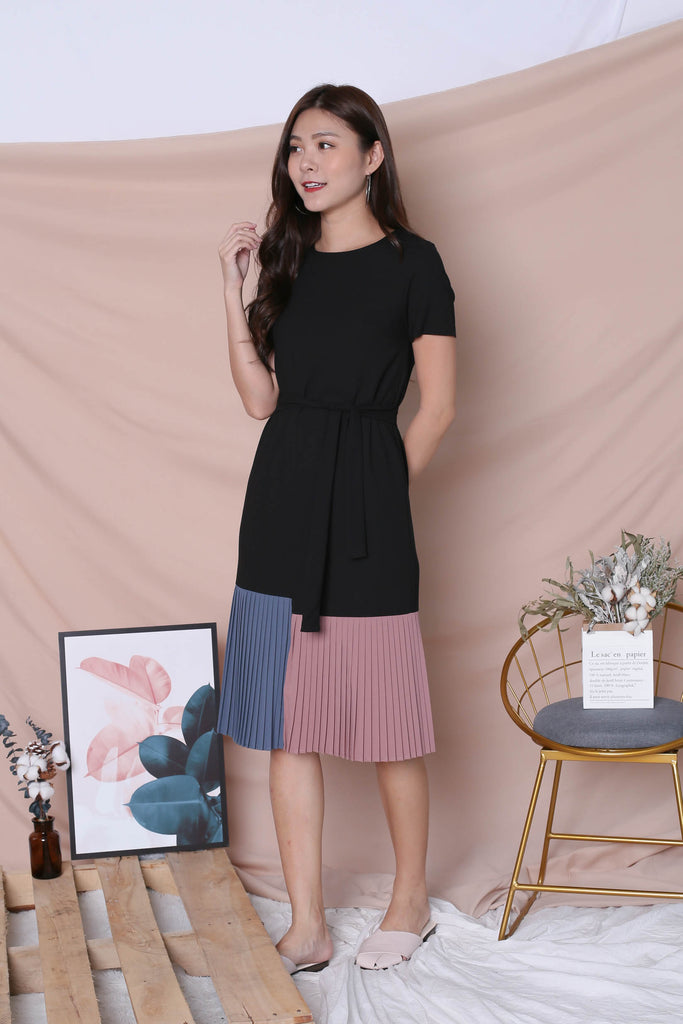 *TPZ* (PREMIUM) LEANNE COLOURBLOCK PLEATED DRESS (BLACK/ PASTEL) - TOPAZETTE