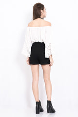 BUCKLE SKORTS IN BLACK - TOPAZETTE
