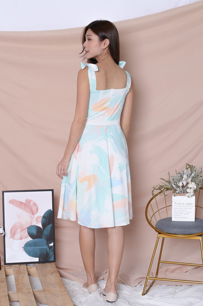 (PREMIUM) WATERCOLOUR RIBBON TIE SKATER DRESS IN GREEN - TOPAZETTE
