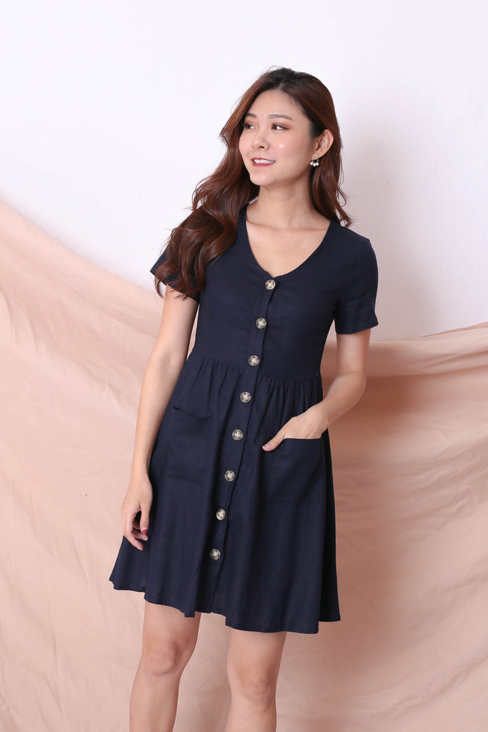*TPZ* (PREMIUM) DANIELLE LINEN BUTTON DRESS IN NAVY - TOPAZETTE
