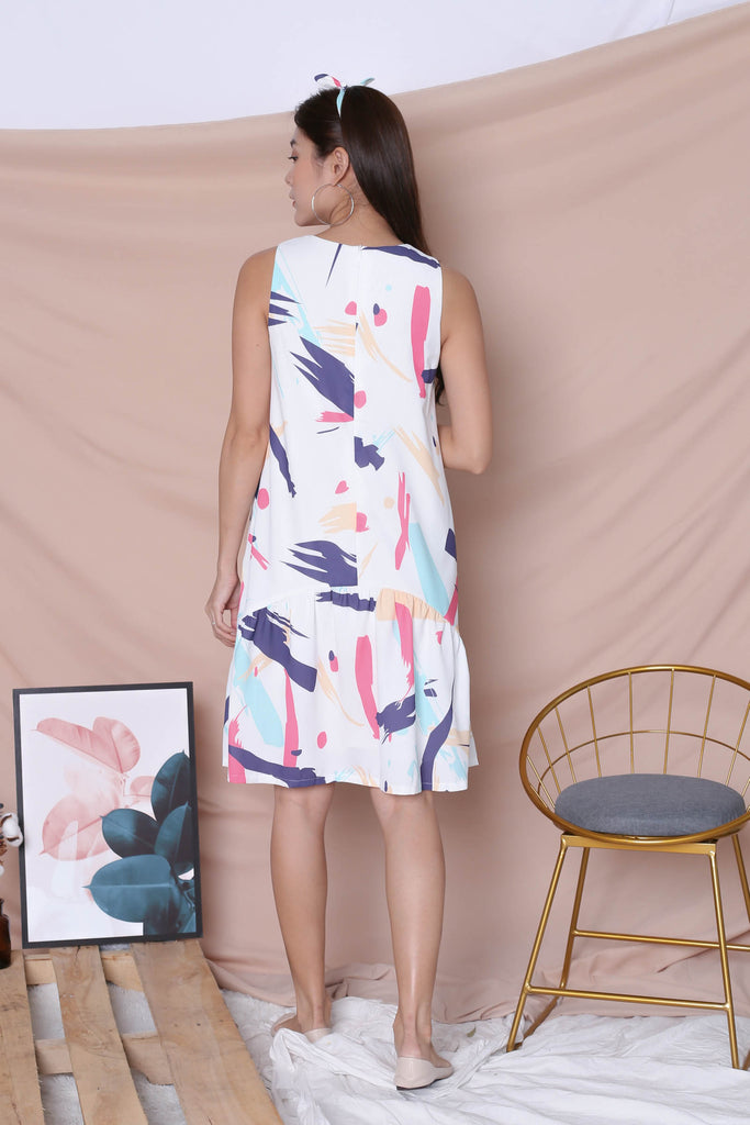 (PREMIUM) ABSTRACT BRUSH STROKES CURVE DROP HEM DRESS IN PINK - TOPAZETTE