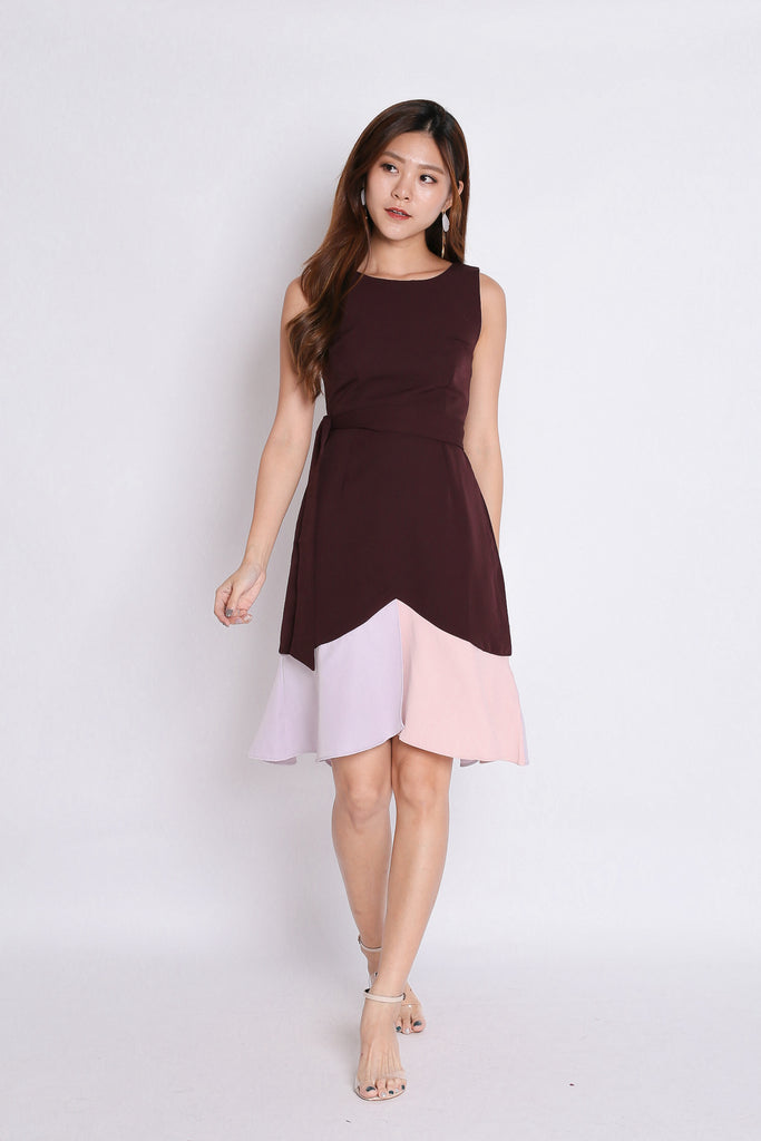 *TPZ* (PREMIUM) QWENN COLOURBLOCK MERMAID DRESS IN PLUM - TOPAZETTE