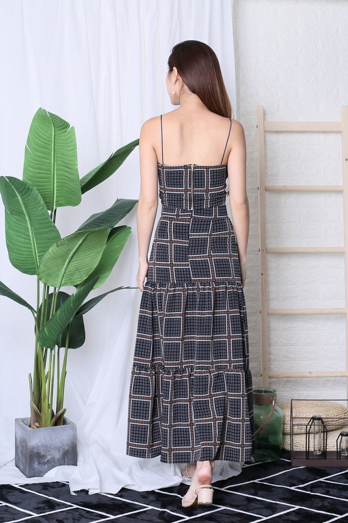MOROCCO MAXI SKIRT IN NAVY - TOPAZETTE