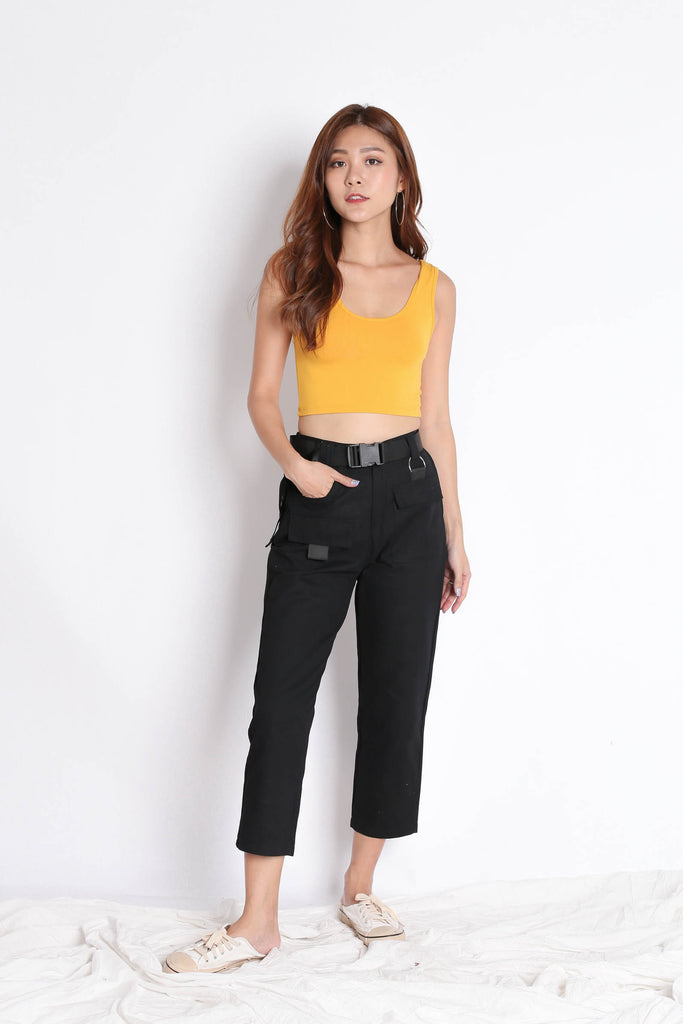 OFF DUTY STRAIGHT CUT CARGO PANTS IN BLACK - TOPAZETTE
