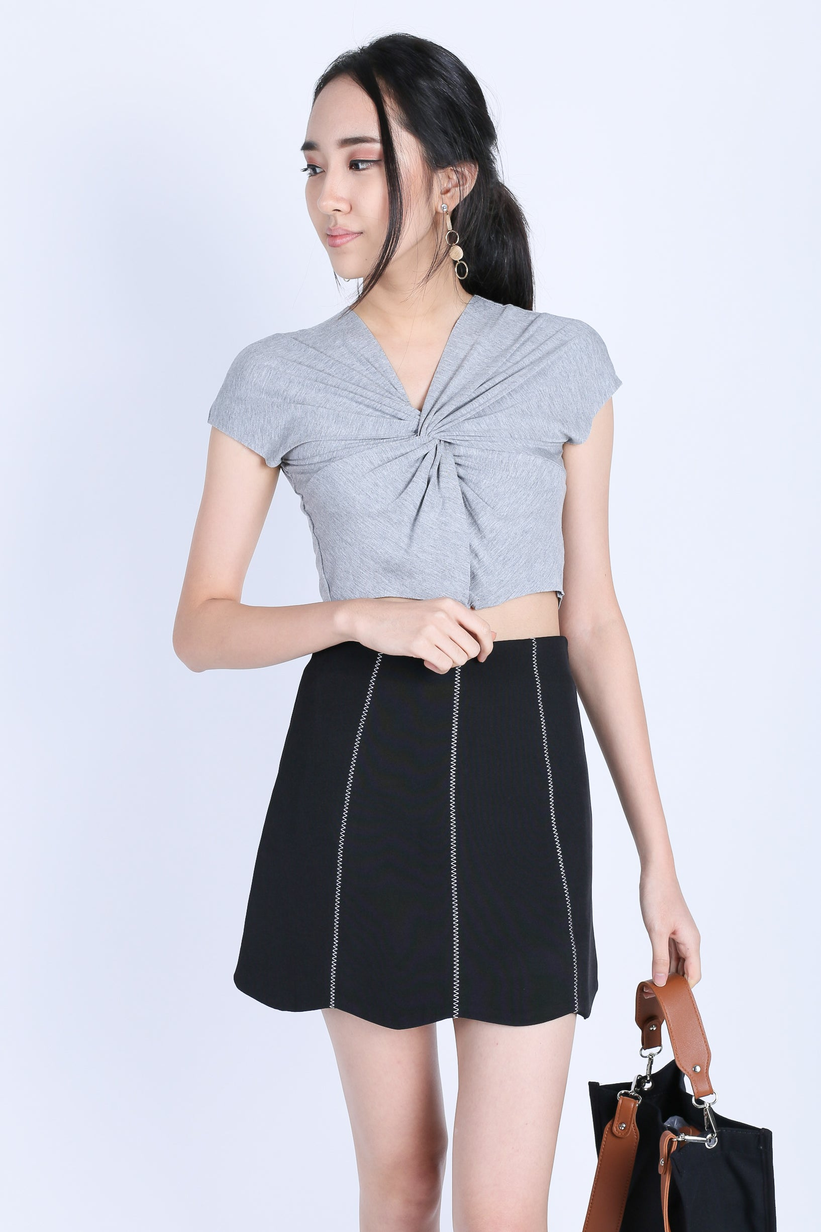 MAREN SCALLOP SKIRT IN BLACK