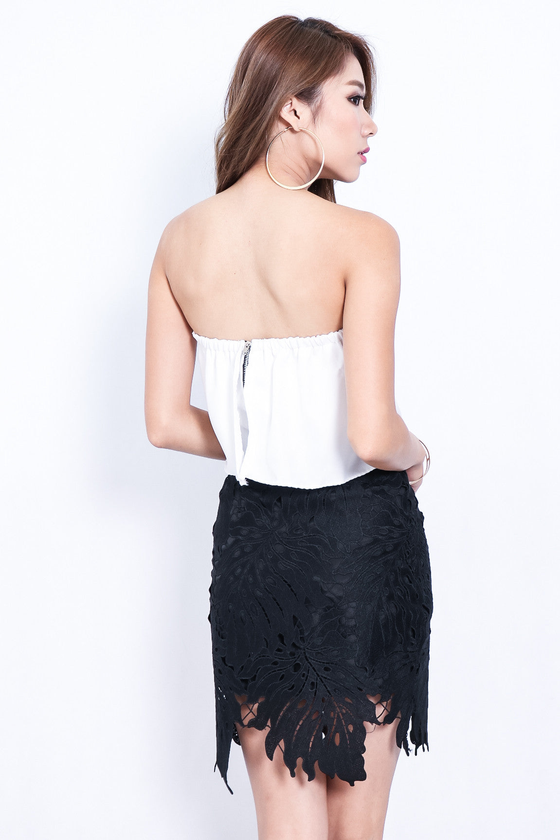 TAKE A LEAF CROCHET SKIRT IN BLACK