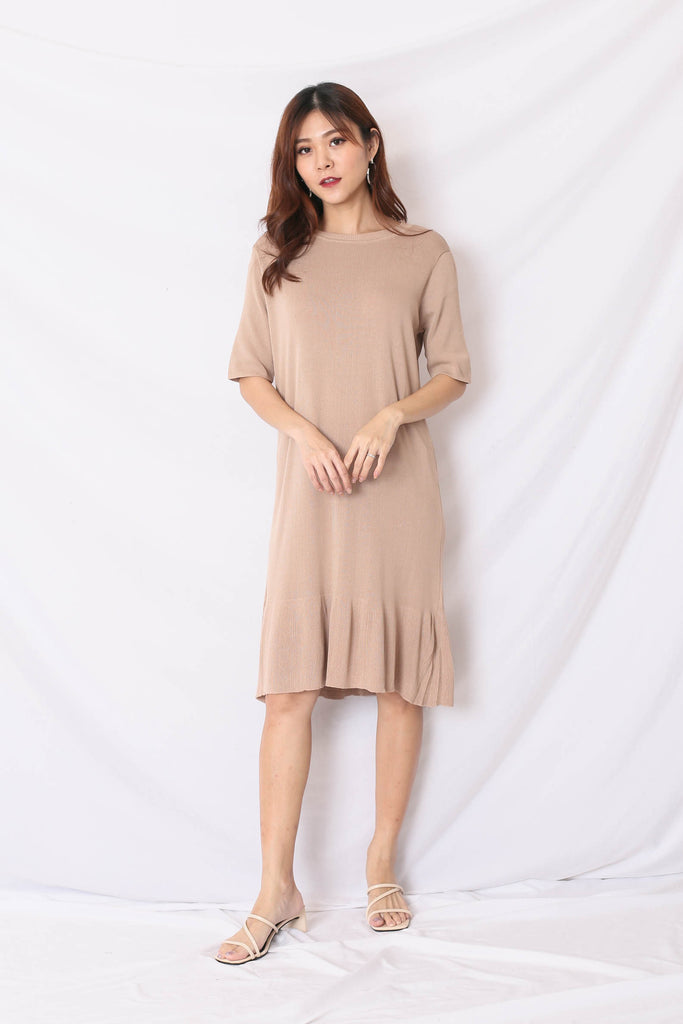 UHN JUNG KNIT DRESS IN SAND