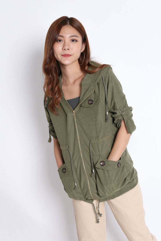 TAL PARKA WITH HOOD IN ARMY GREEN
