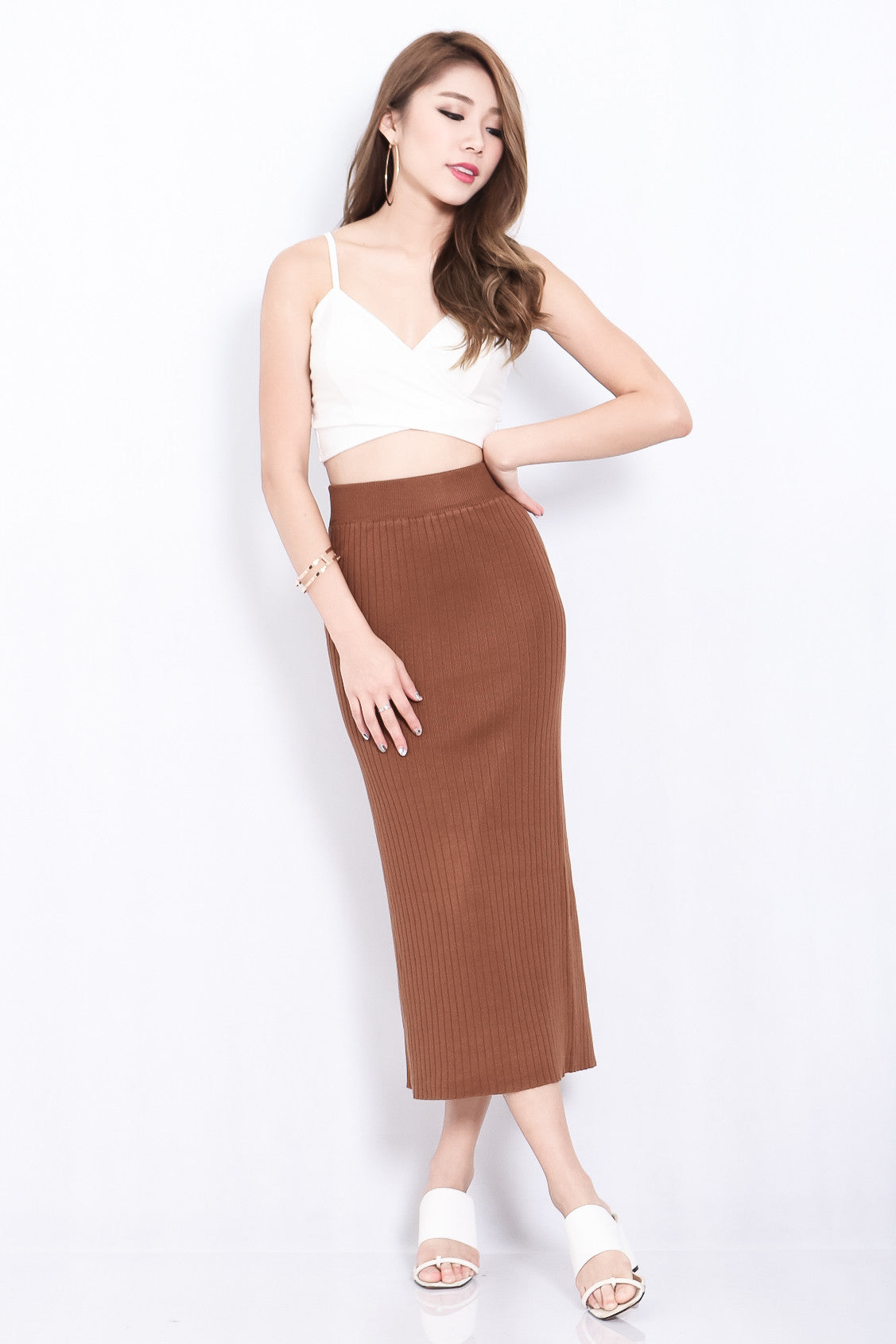 RIBBED SLIT KNIT SKIRT IN COCOA
