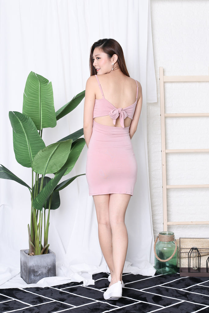 BASIC RIBBON BACK DRESS IN PINK
