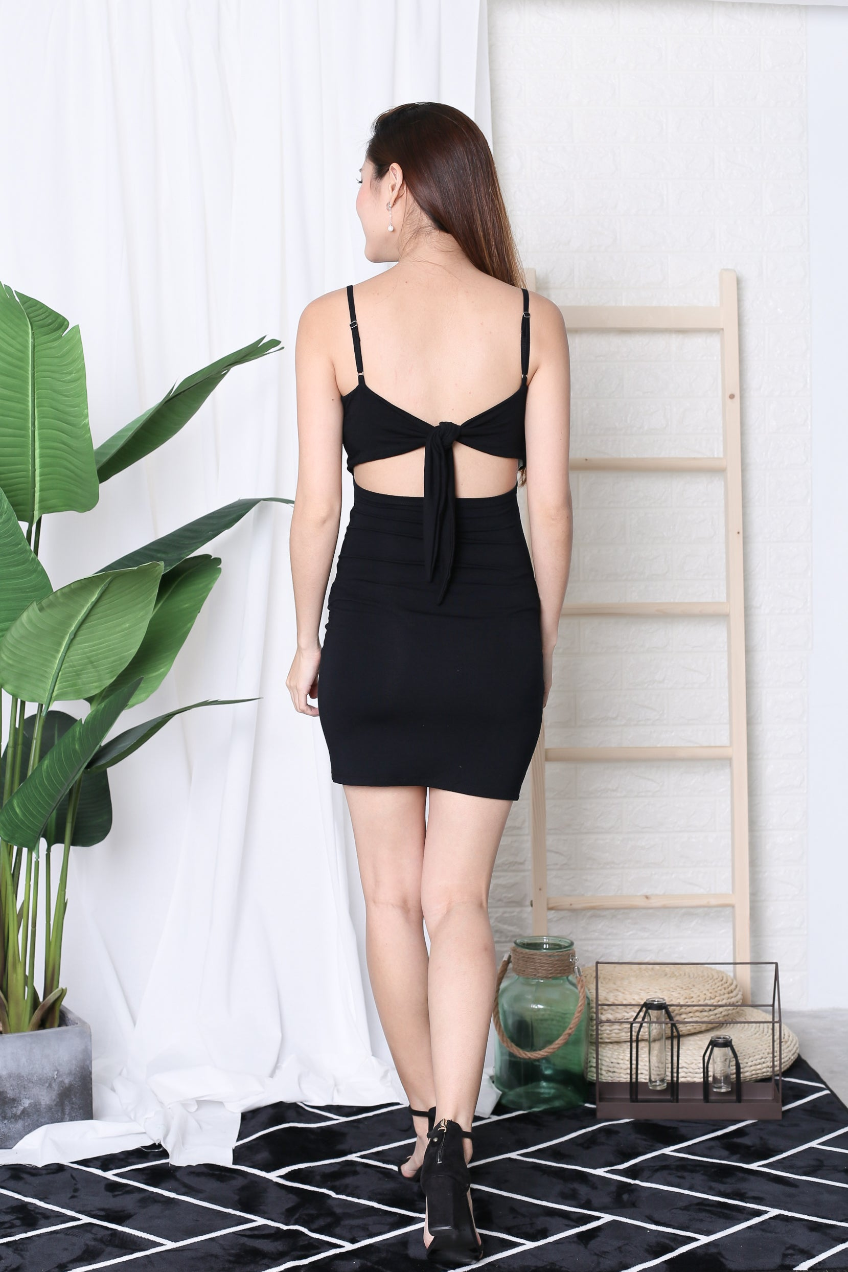 *BACKORDER* BASIC RIBBON BACK DRESS IN BLACK