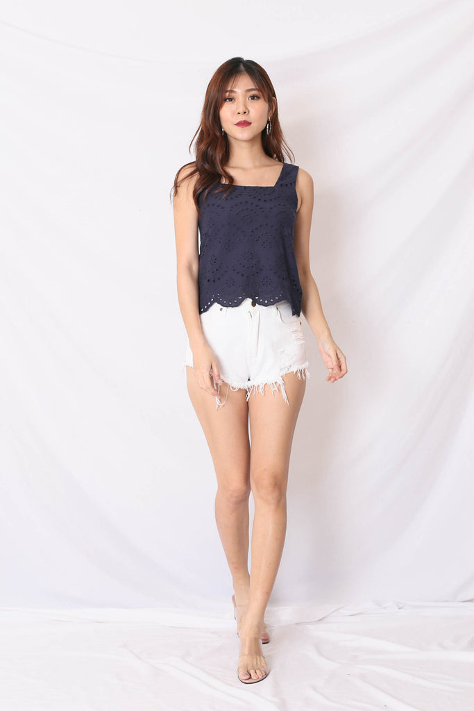 *TPZ* (PREMIUM) QUE EYELET TOP IN NAVY