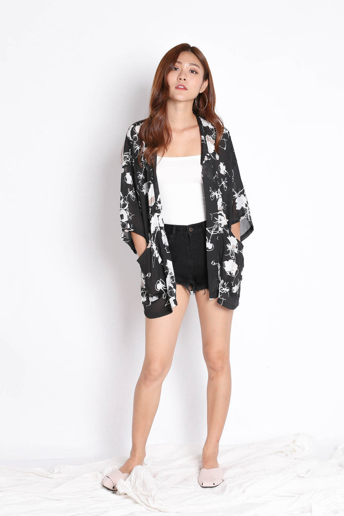 *TPZ* TIA ABSTRACT KIMONO JACKET IN BLACK - TOPAZETTE