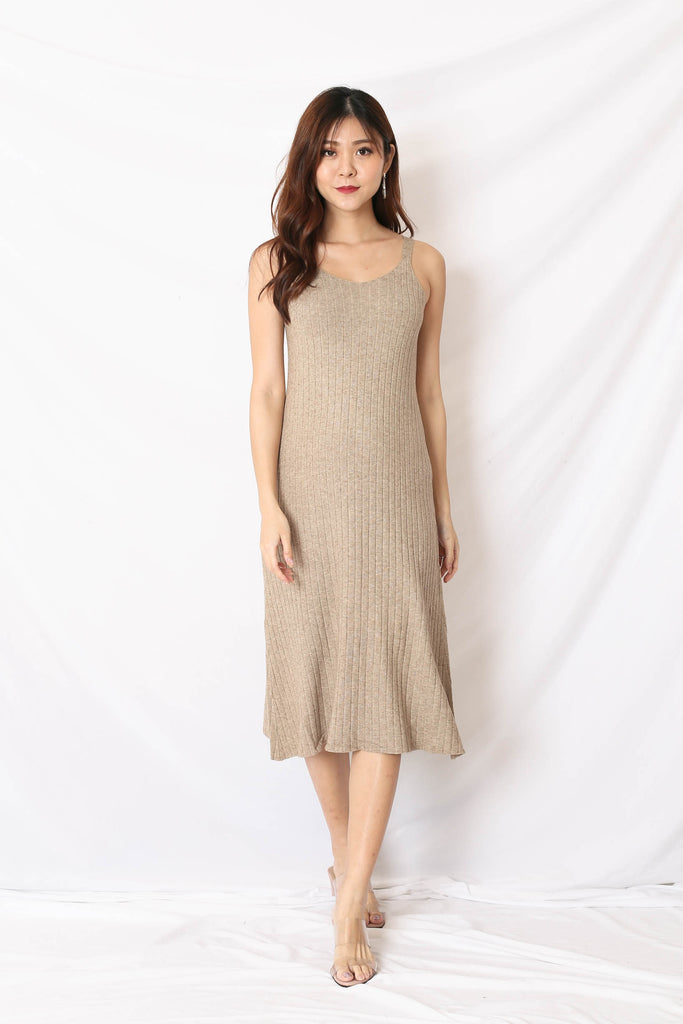 *BACKORDER* VALERIE KNIT DRESS IN MALT