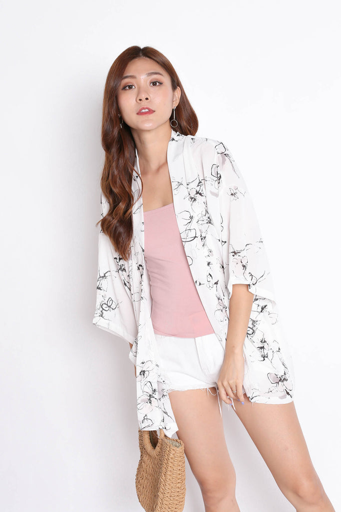 *TPZ* TIA ABSTRACT KIMONO JACKET IN WHITE - TOPAZETTE