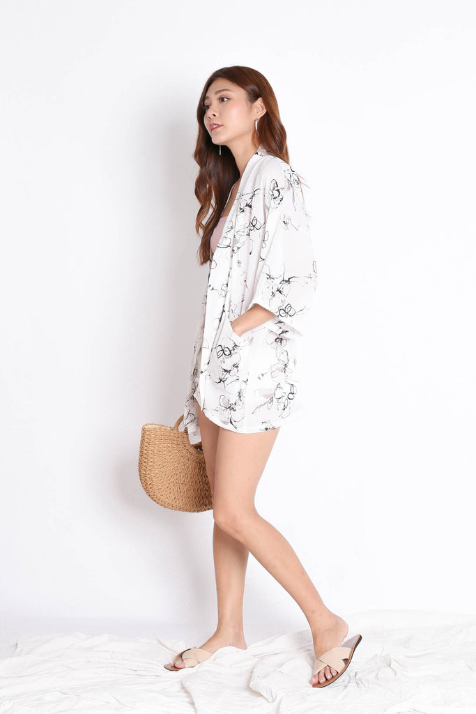 *TPZ* TIA ABSTRACT KIMONO JACKET IN WHITE
