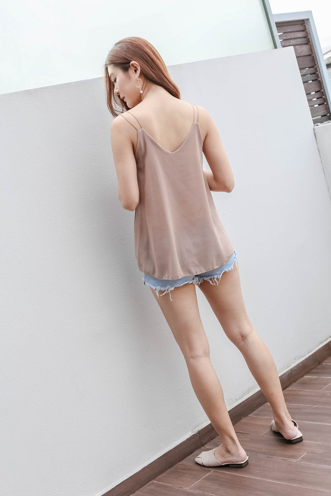 BASIC BREEZY SPAG TOP IN NUDE