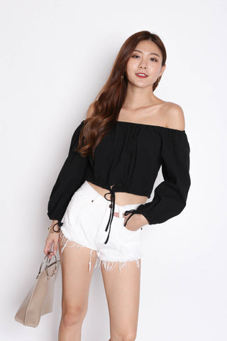 OFF SHOULDER LINEN TOP IN BLACK