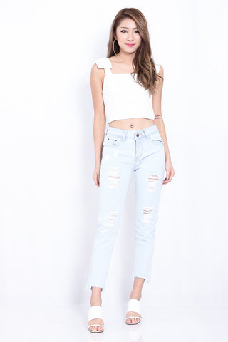 (RESTOCKED) FRAYED HEM BOYFRIEND JEANS IN LIGHT WASH - TOPAZETTE