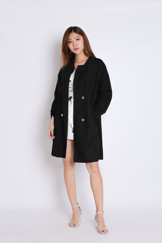 VECCA COAT IN BLACK