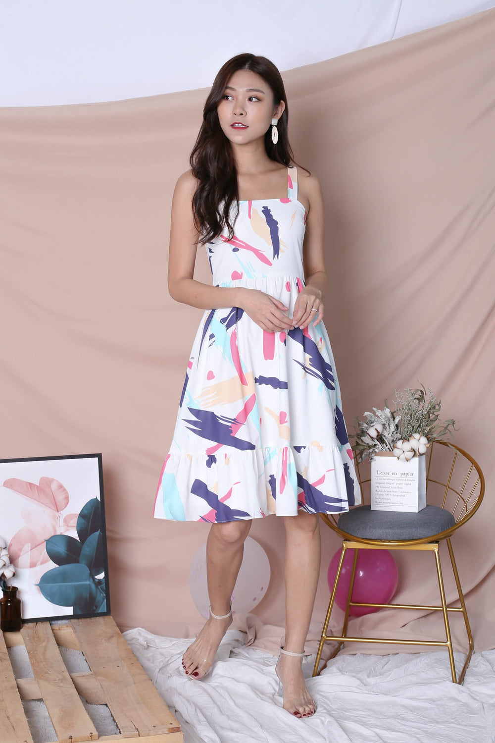 (PREMIUM) ABSTRACT BRUSH STROKES RUFFLE HEM DRESS IN PINK